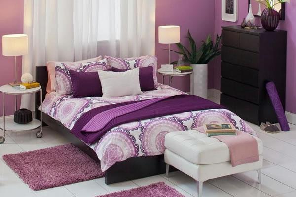 Không gian nhà màu tím phong lan