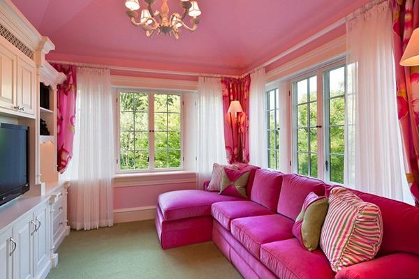 Phòng khách với tông màu hồng