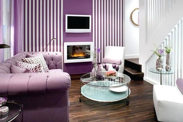 Không gian phòng khách màu tím hiện đại