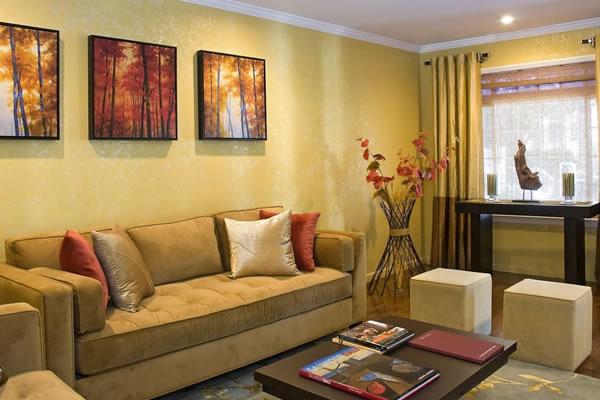 Không gian nội thất màu vàng kem