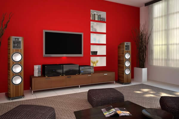Tường màu đỏ làm nổi bật không gian phòng khách