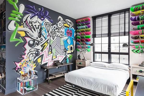 Phòng ngủ trở nên hấp dẫn hút ánh nhìn hơn với mảng tường sơn theo phong cách Graffiti