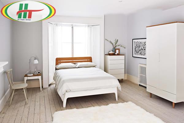 Không gian phòng ngủ màu sáng sẽ giúp căn phòng trở nên thoáng rộng hơn.