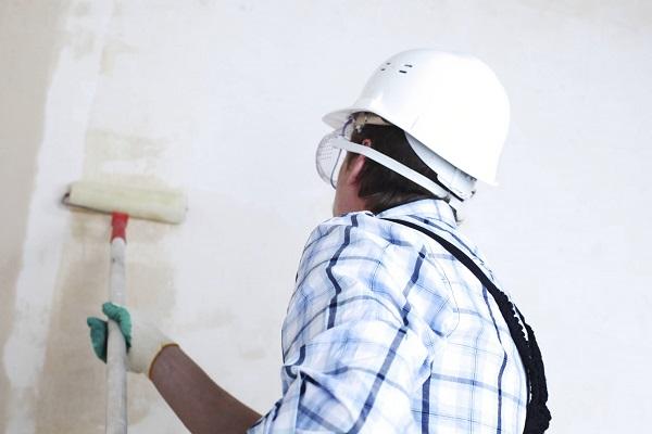 Việc sơn lót trước khi sơn nhà có cần thiết không?