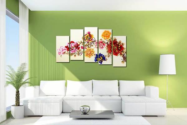 Gợi ý chọn tranh treo tường phù hợp làm nổi bật không gian phòng khách