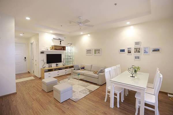Căn hộ sơn nội thất màu trắng sang trọng thoáng rộng