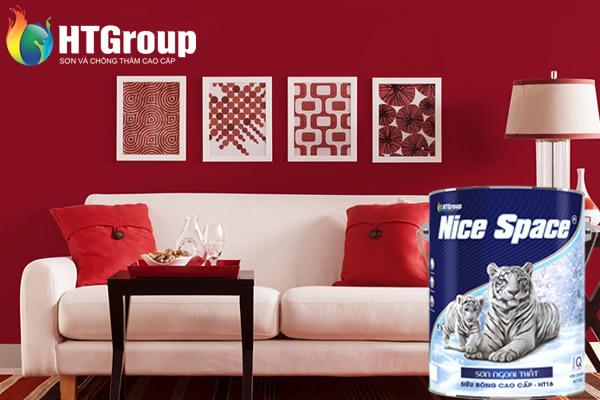 Táo bạo với không gian phòng khách màu đỏ kết hợp màu trắng