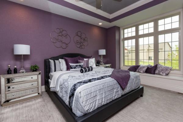 Chọn màu tím làm màu sơn nội thất chủ đạo cho phòng ngủ